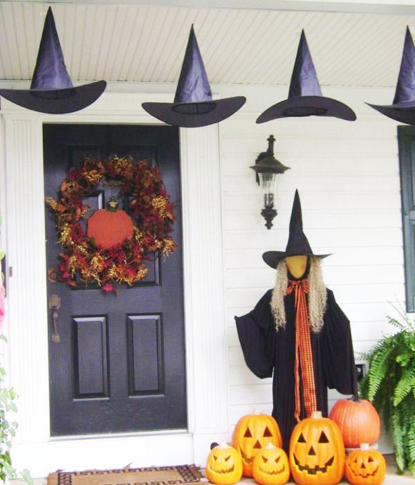 Trang trí halloween ngoài cửa