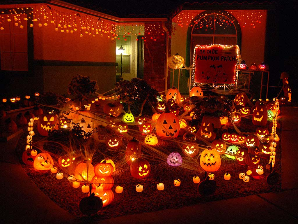 Trang trí halloween trong vườn