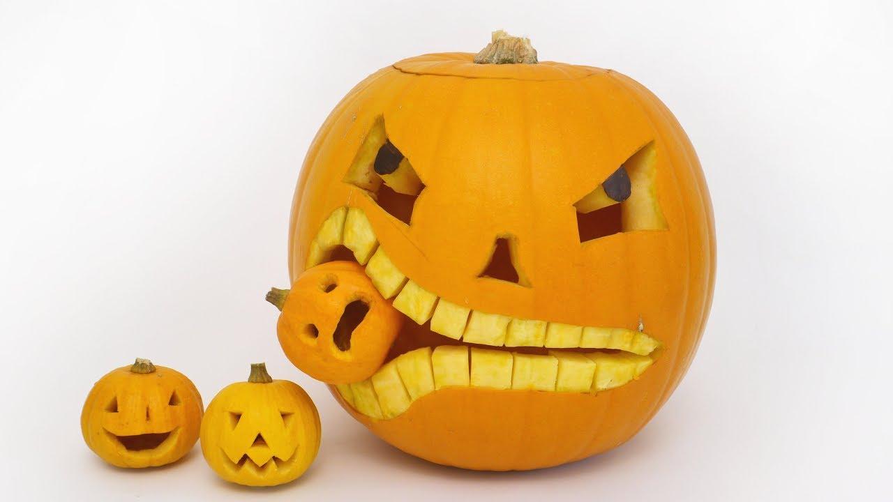 Trang trí quả bí ngô Halloween