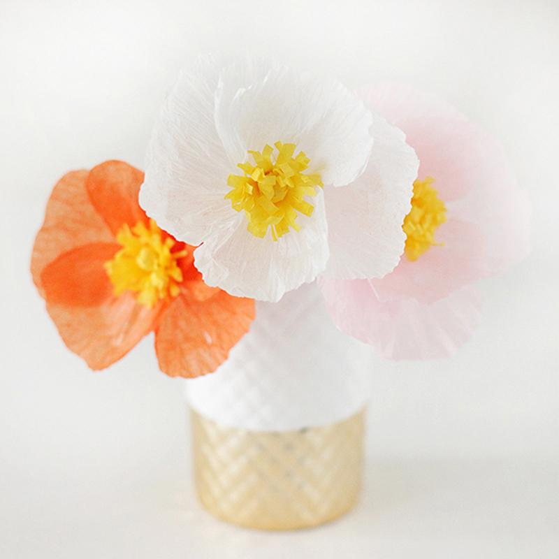 Trang trí bằng lọ hoa anh túc