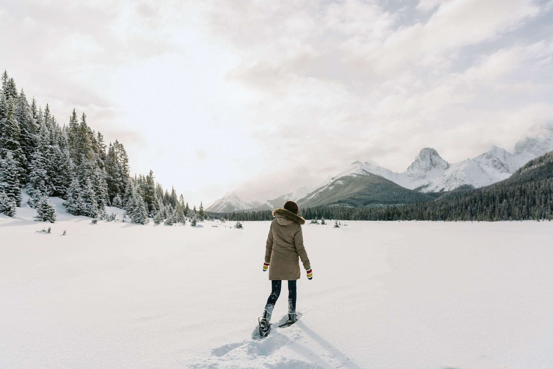 Hình ảnh cô gái mùa đông