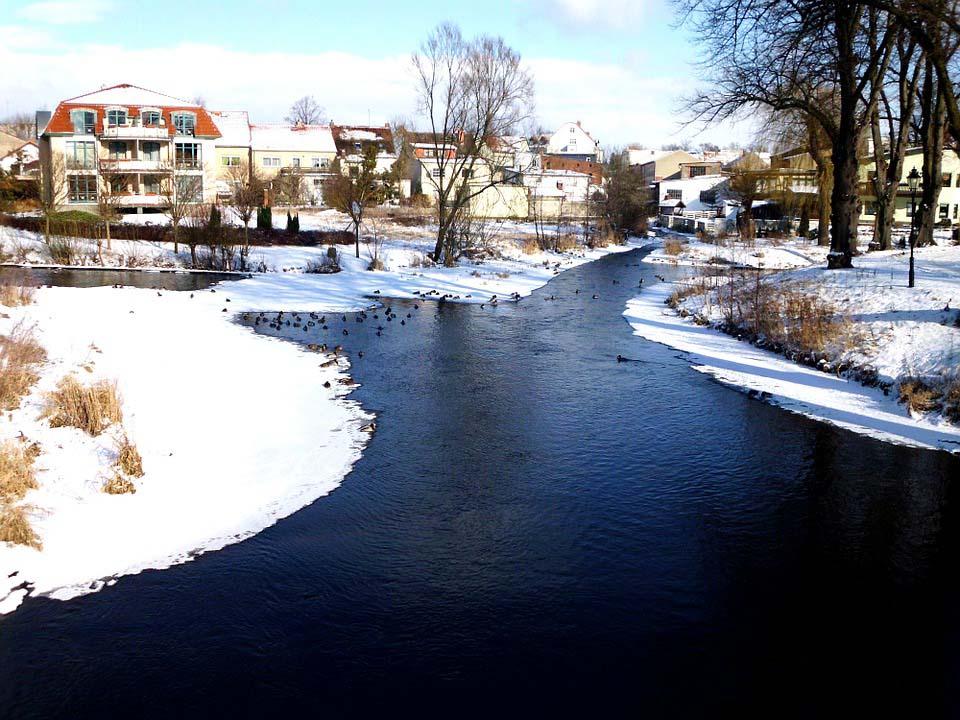 Hình ảnh đẹp dòng sông mùa đông