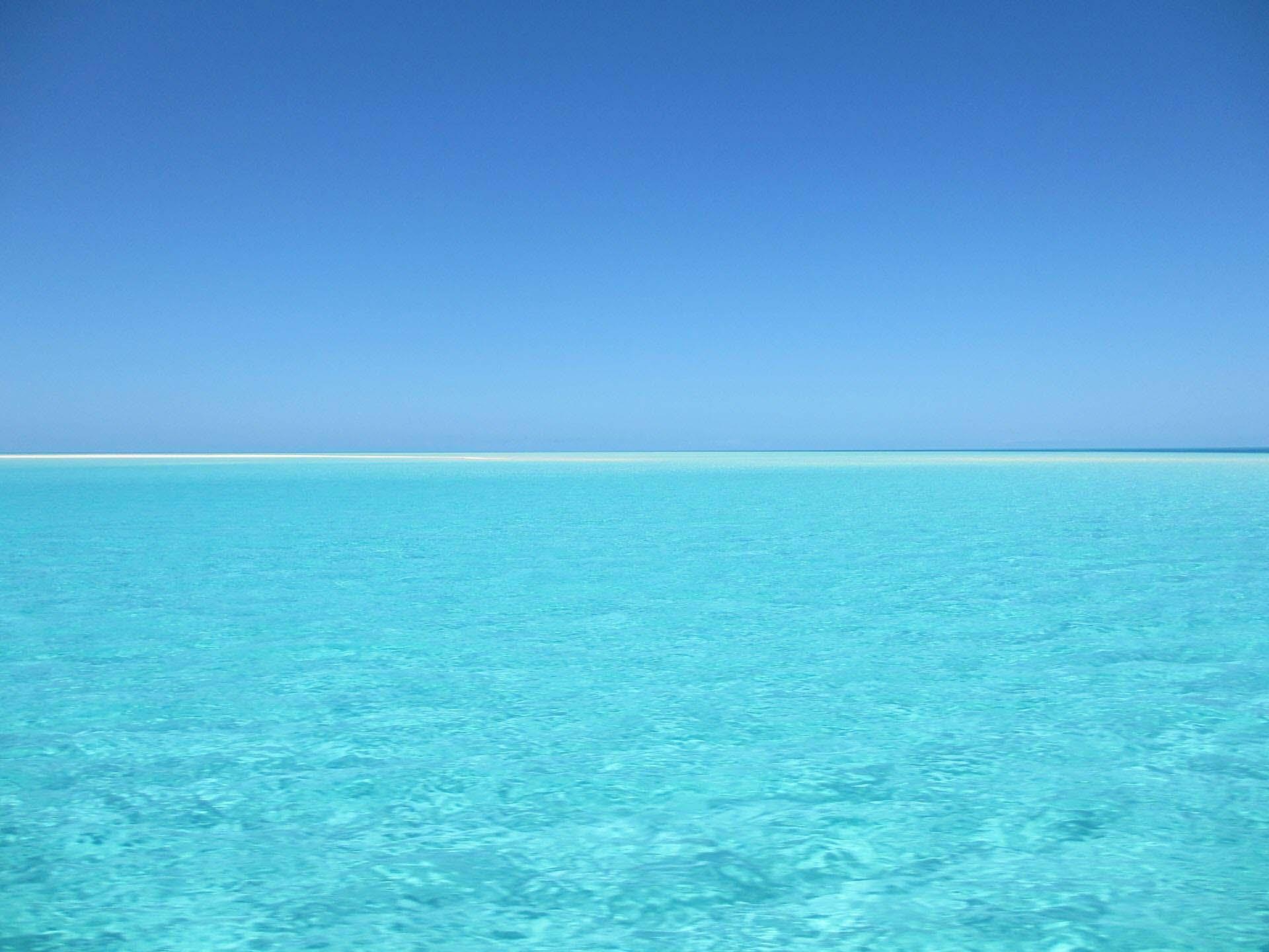 Hình nền đẹp màu xanh nước biển